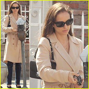 Natalie Portman: Wedding Ring Details!