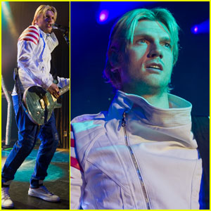 Nick Carter Performs 2 Days After Sister Leslie's Death