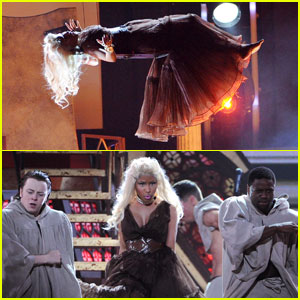 Nicki Minaj's Grammys Performance - Watch Now!