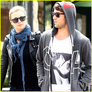 Emily VanCamp: Little Dom's with Josh Bowman!