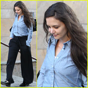 Katie Holmes: Makeup-Free at Dance Class