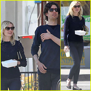 Kirsten Dunst Lunches in Toluca Lake