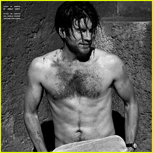 Wes Bentley: Shirtless for 'Flaunt' Feature!