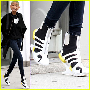 Willow Smith: Heelless Booties In NYC!