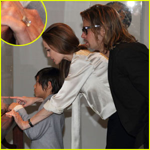 Angelina Jolie: Engagement Ring Revealed!