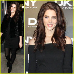 Ashley Greene: DKNY Show in Russia!