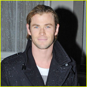 Chris Hemsworth: Caught in the Rain!