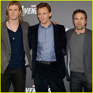 Chris Hemsworth & Tom Hiddleston: 'Avengers' Berlin Photo Call!