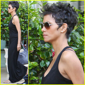 Halle Berry: Photoshoot at the Hilton