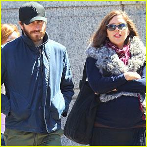 Jake Gyllenhaal: Sibling Stroll With Sister Maggie!