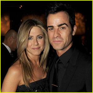 Jennifer Aniston Calls Wedding Rumors 'Total Fabrication'
