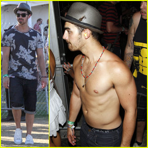 Joe Jonas: Shirtless at Coachella!