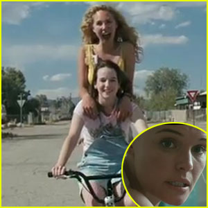 Juno Temple & Kate Bosworth: 'Little Birds' Trailer!