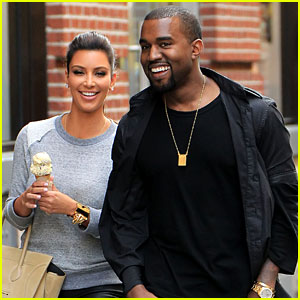 Kim Kardashian & Kanye West: Romantic Stroll in NYC!