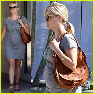 Pregnant Reese Witherspoon Goes to the Office