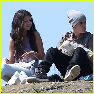 Selena Gomez: Subway Sandwiches with Justin Bieber!
