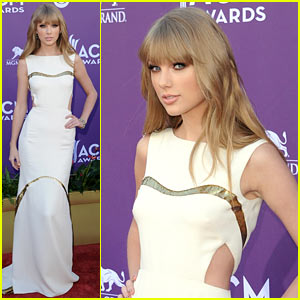 Taylor Swift - ACM Awards 2012 Red Carpet