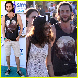 Zoe Kravitz & Penn Badgley: Coachella Couple!