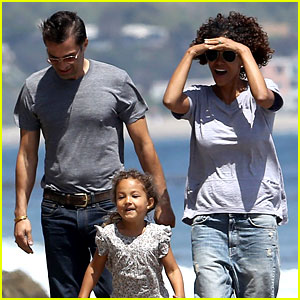Halle Berry: Cinco de Mayo Fun with Olivier Martinez & Nahla!