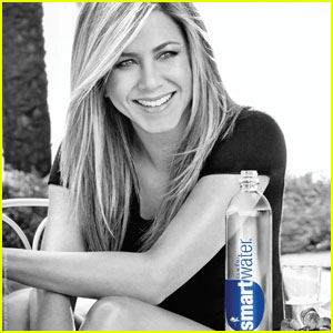 Jennifer Aniston: New smartwater Ads!