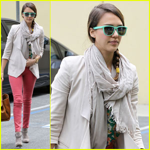 Jessica Alba: Pre-Holiday Office Visit