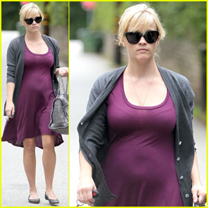 Reese Witherspoon: Pregnant in Purple