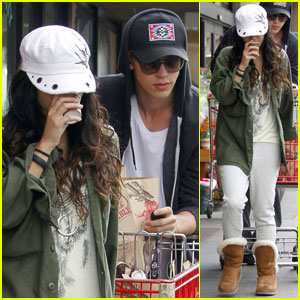 Vanessa Hudgens & Austin Butler Check out Trader Joe's