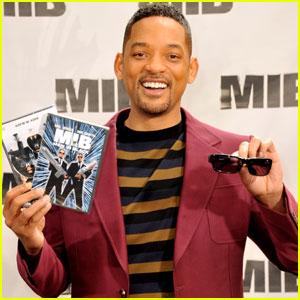 Will Smith: New 'Men in Black 3' Clip & Poster!