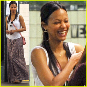 Zoe Saldana: Subway Smiles