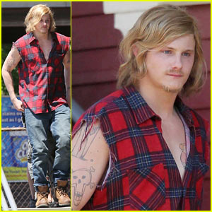 Alexander Ludwig: Mustache &#038; Goatee for 'Grown Ups 2'!