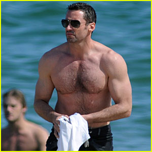 Hugh Jackman: Shirtless at Barcelona Beach!