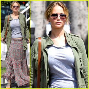 Jennifer Lawrence: Whole Foods Shopper