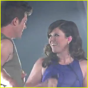 Kelly Clarkson: 'State of Shock' Duet with Robin Thicke!