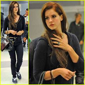 Lana Del Rey: JFK Airport Chic Arrival