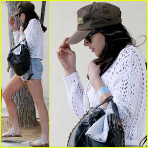 Lindsay Lohan Leaves Hospital After Car Crash