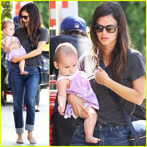 Rachel Bilson: Baby Duty in Los Feliz