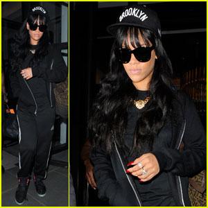 Rihanna Works on New Fashion Show Until 5 A.M.