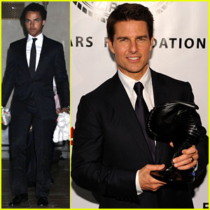Tom Cruise: Friars Club Ceremony with Suri & Connor!