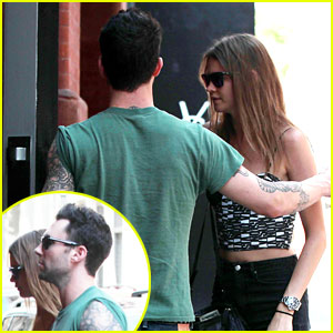 Adam Levine & Behati Prinsloo: Big Apple Babes!
