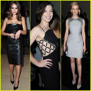 Jessica Alba & Elizabeth Banks: Versace Show!