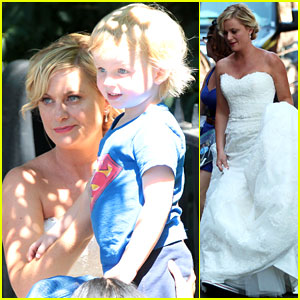 Amy Poehler: 'They Came Together' Set with Archie!