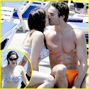 Bikini-Clad Kelly Brook Kisses Shirtless Thom Evans in Ischia!