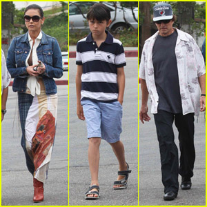 Catherine Zeta-Jones: Lunch with the Boys!
