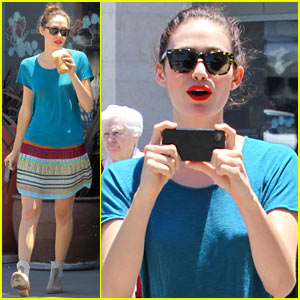 Emmy Rossum: Starbucks Stop with Mom Cheryl!