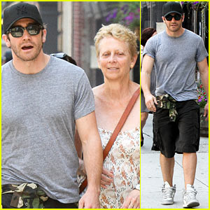 Jake Gyllenhaal & Mom Naomi Foner: 'Very Good Girls' Set!