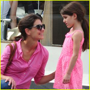 Katie Holmes & Suri: Pink Ladies!