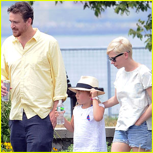 Michelle Williams & Jason Segel: Lunch with Matilda!