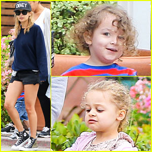 Nicole Richie: Family Fourth