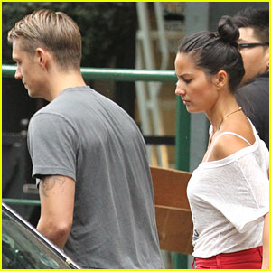 Olivia Munn &#038; Joel Kinnaman: Manhattan Mates!