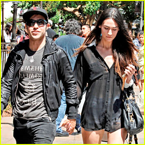 Pete Wentz & Meagan Camper: Lunch with Shawn Pyfrom!